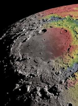 月球大型多环盆地成因:或因天体撞击月面形成